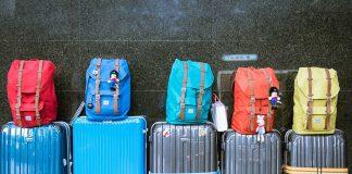 Τα 8 απαραίτητα αντικείμενα για το ταξίδι σου